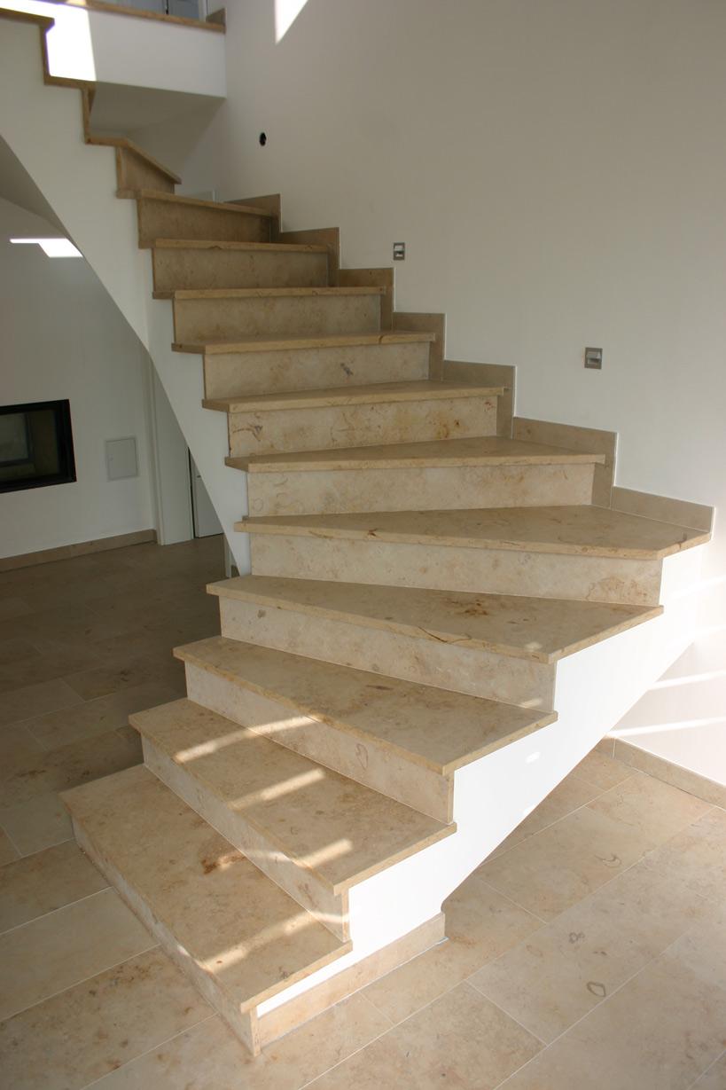 pin naturstein sandstein treppen trappen freitreppen aus theumaer on pinterest. Black Bedroom Furniture Sets. Home Design Ideas